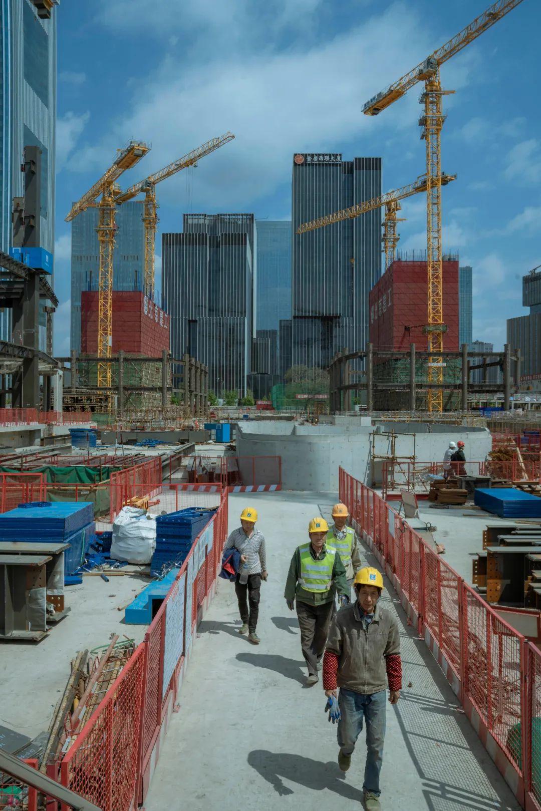 中国的城市建设离不开这些建筑工人