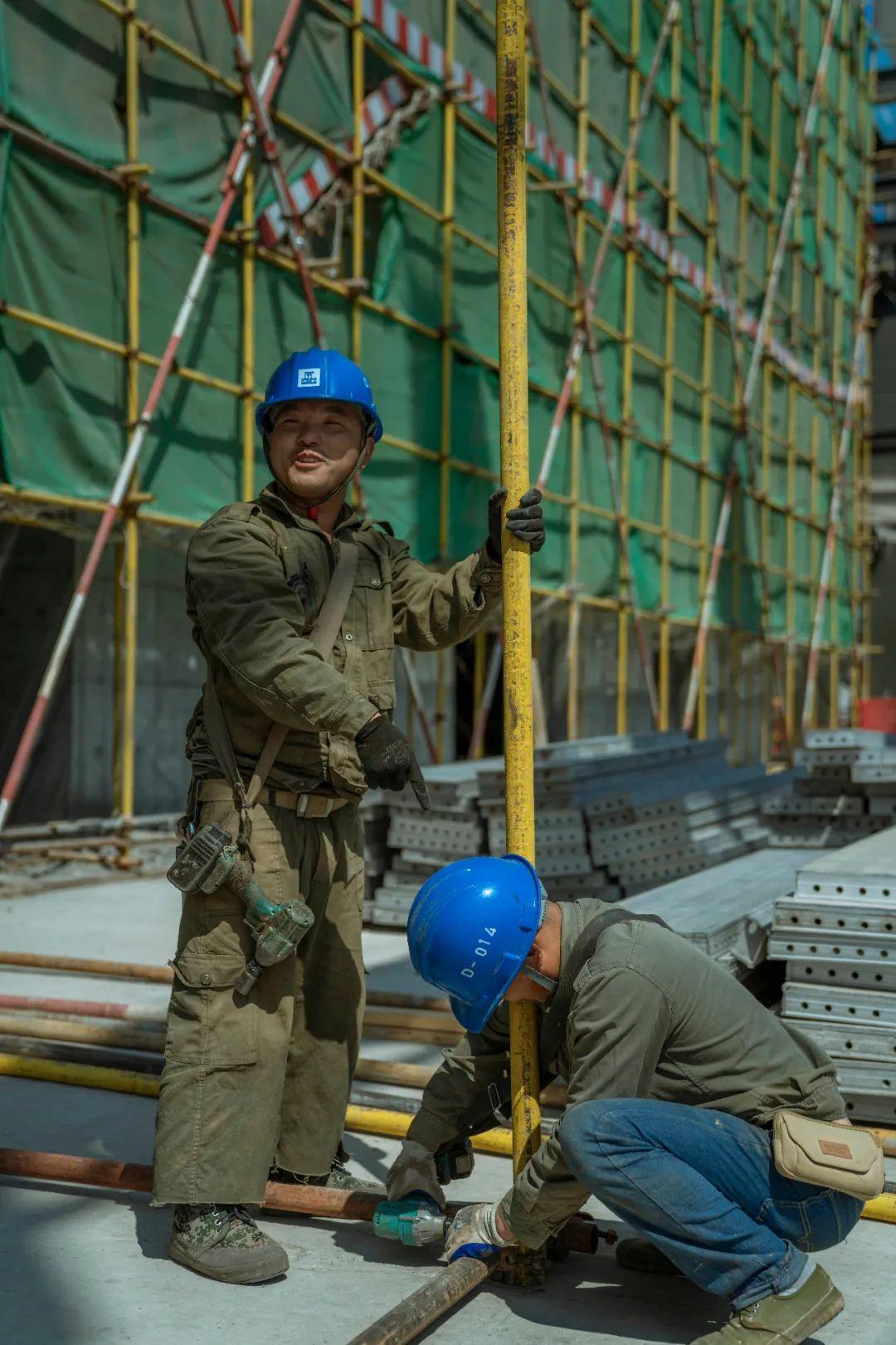 建筑业仍然是一个劳动密集型行业,大量的工作需要人工完成