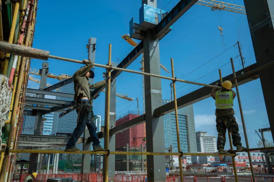 虽然工价上涨,但有好手艺的建筑工人依然很难找